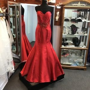 Alyce 1201 Red size 10